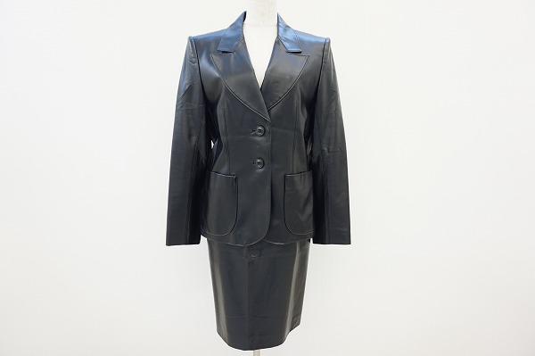 イヴサンローラン フェイクレザー スカートスーツ