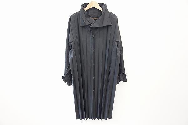 オムプリッセイッセイミヤケ メンズプリーツコート