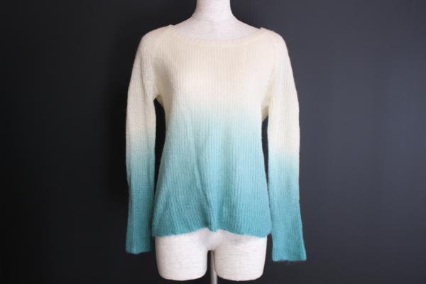 ビアッジョブルー グラデーションカラー セーター