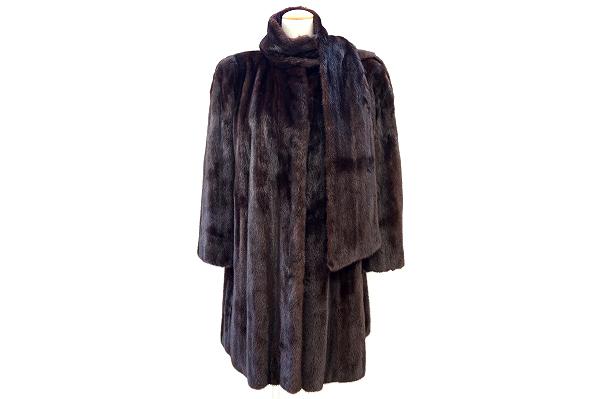 エンバ 毛皮コート