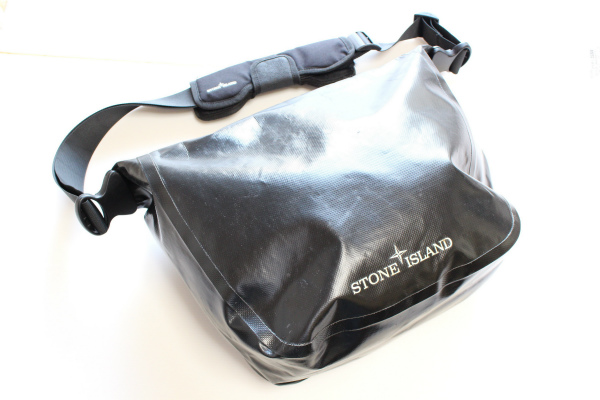 ストーンアイランド メンズショルダーバッグ