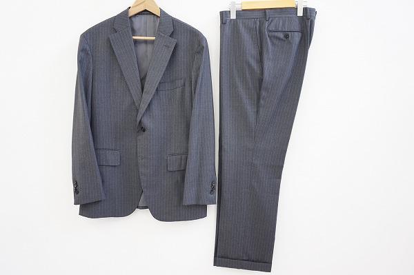 ユニバーサルランゲージ スーツ