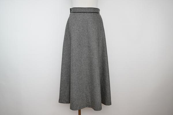ニジュウサンク ロングスカート