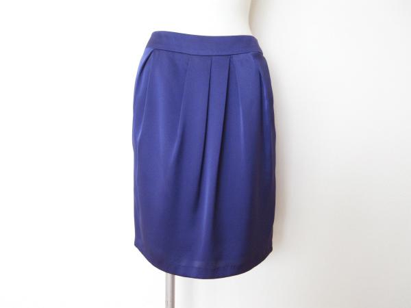 ロペ ビビッドブルー スカート