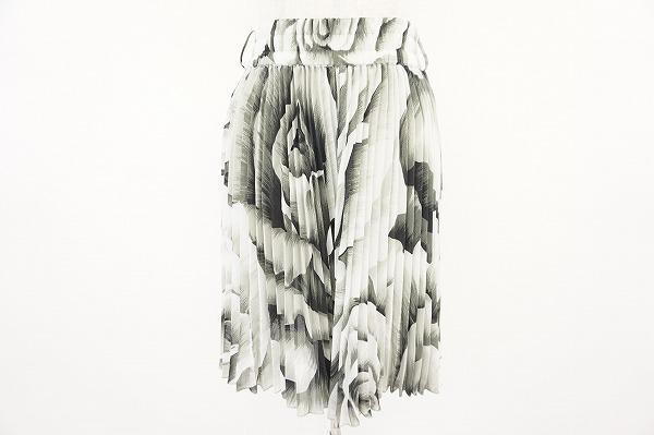 トクコ 花柄プリーツスカート