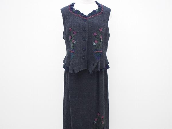ノンノンドール ベスト&スカート