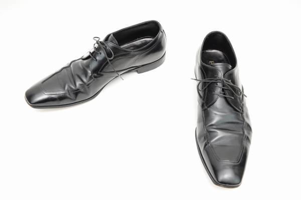 プラダ 紐靴