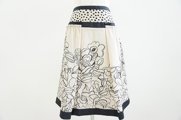 トゥービーシック 花柄スカート