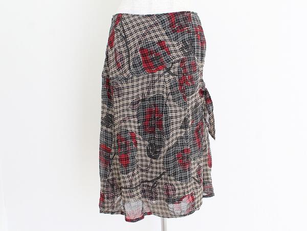 ティービーセンソユニコ バラ柄スカート