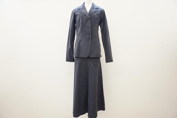 イッセイミヤケ ストライプスカートスーツ