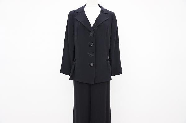 ヨシエイナバ パンツスーツ