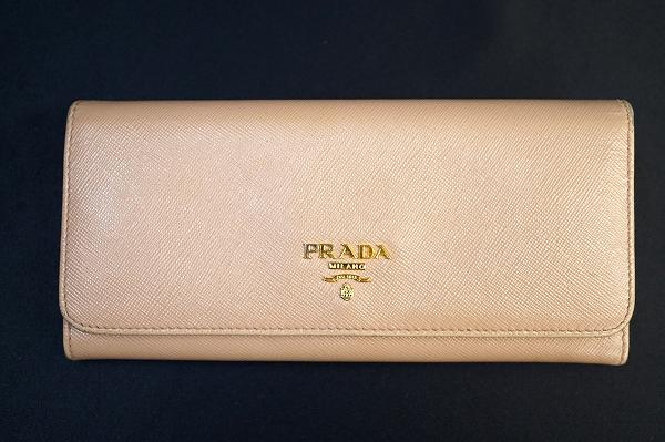 プラダ サフィアーノ長財布