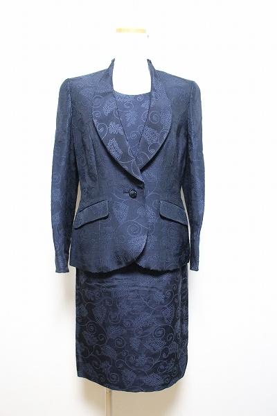銀座マギーマクセル 刺繍スカートスーツ