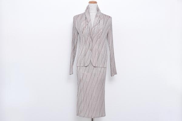 イッセイミヤケ スカートスーツ