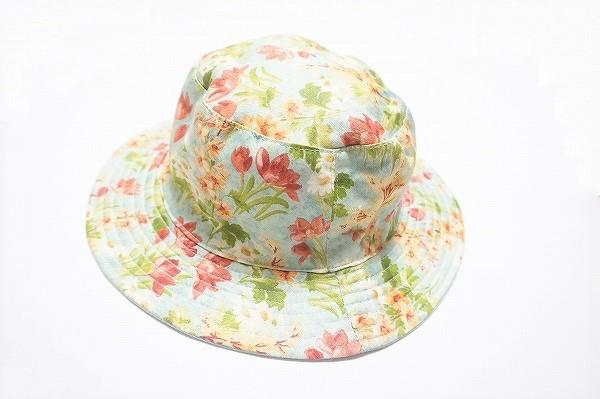 バラ色の暮し 帽子