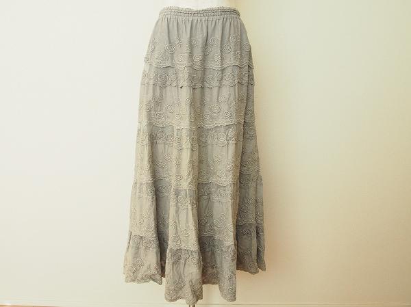 バラ色の暮し 刺繍ロングスカート