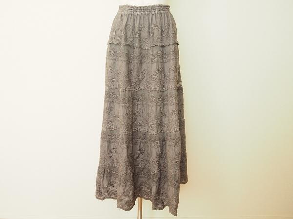 バラ色の暮し バラ柄ロングスカート