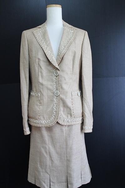 レナランゲ シルク混スカートスーツ