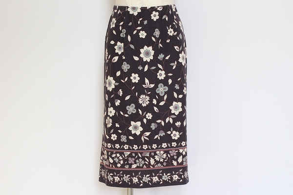スポーティフ 花柄タイトスカート