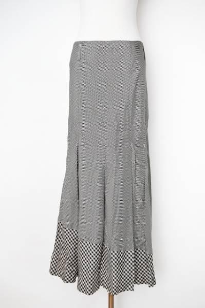 バジーレ スカート