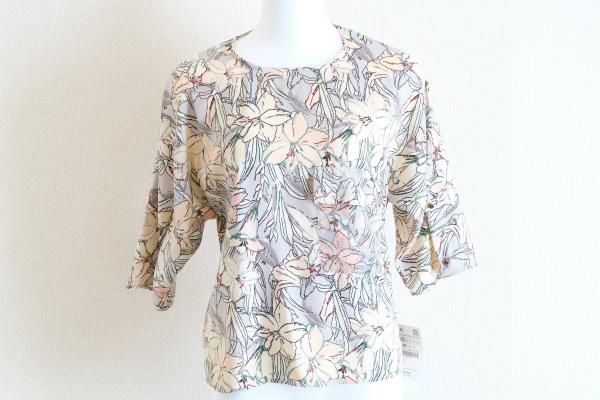 ザラベーシック 半袖花柄ラグラントップス