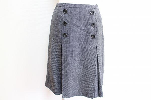 ナチュラルビューティー 飾りボタンシルク混スカート
