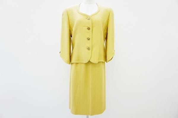 ジュンアシダ ノーカラースカートスーツ