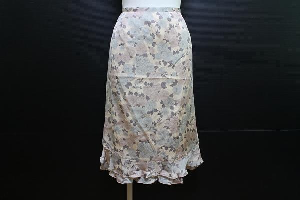 ジュウジンプラザ シルクひざ丈花柄フレアスカート