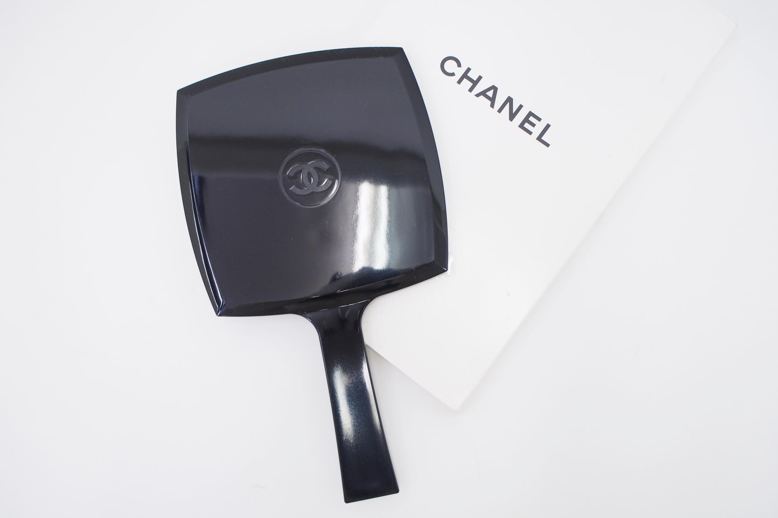 シャネル ココマーク付き手鏡
