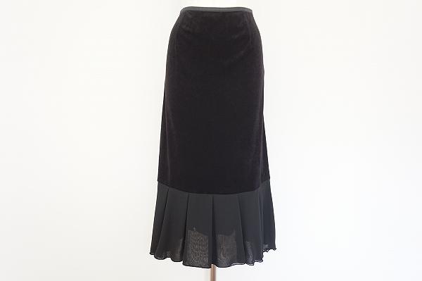 ネロセンソユニコ ベロア調異素材スカート