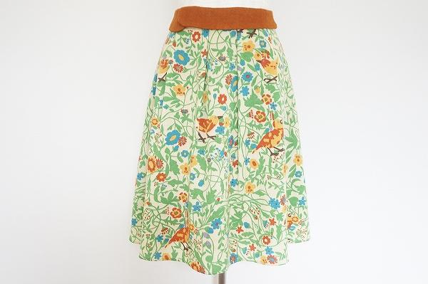 ホコモモラデシビラ 花鳥柄ウールスカート