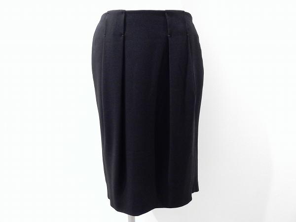 プラダ タック入りスカート