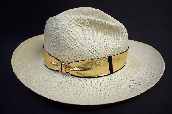 トレイシーワッツ ゴールドリボン麦わら帽子