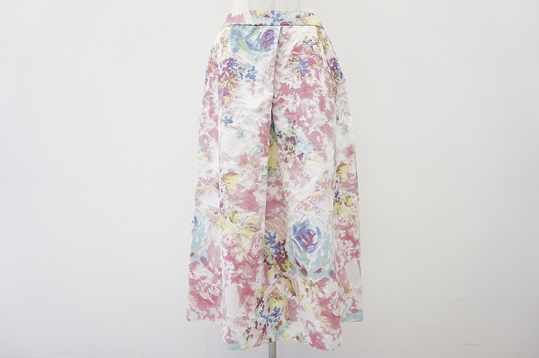 バラ色の暮し スカート