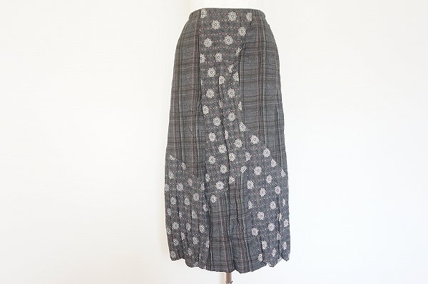 ティービーセンソユニコ 花柄チェック柄スカート