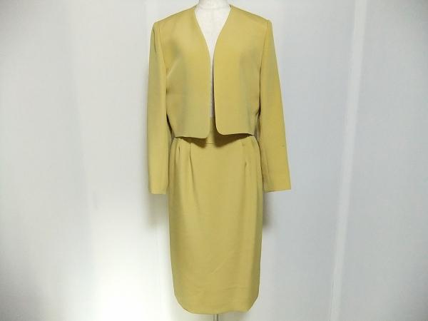 ユキトリイ ノーカラージャケットスカートスーツ