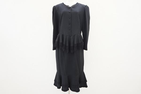 ノンノンドール スカートスーツ