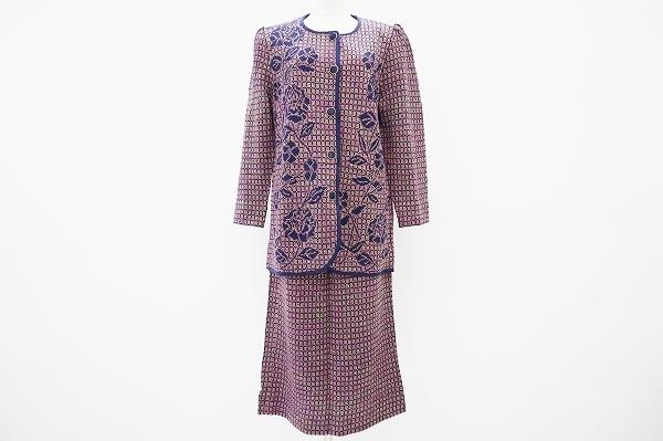 サイトウトヨコ ニットバラ柄スカートスーツ