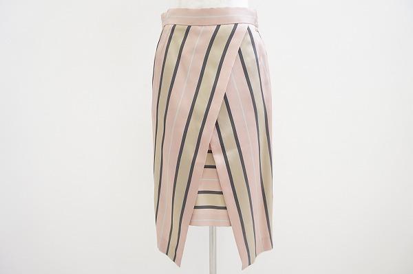 エスカーダ シルク混スカート