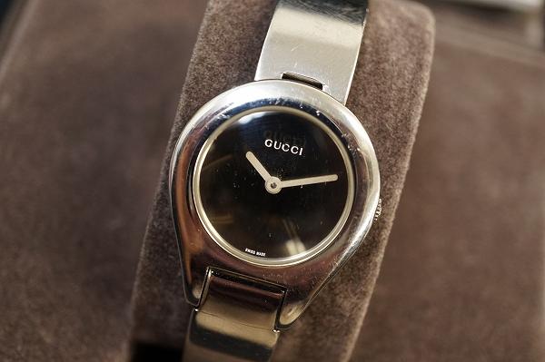 グッチ ミラーダイヤル6700Lクオーツ腕時計