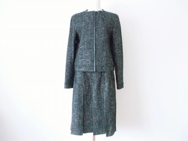 K.T ツイードノーカラースカートスーツ