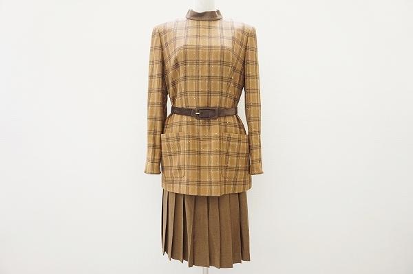 ジュンアシダ ハイネックシルク混スカートスーツ